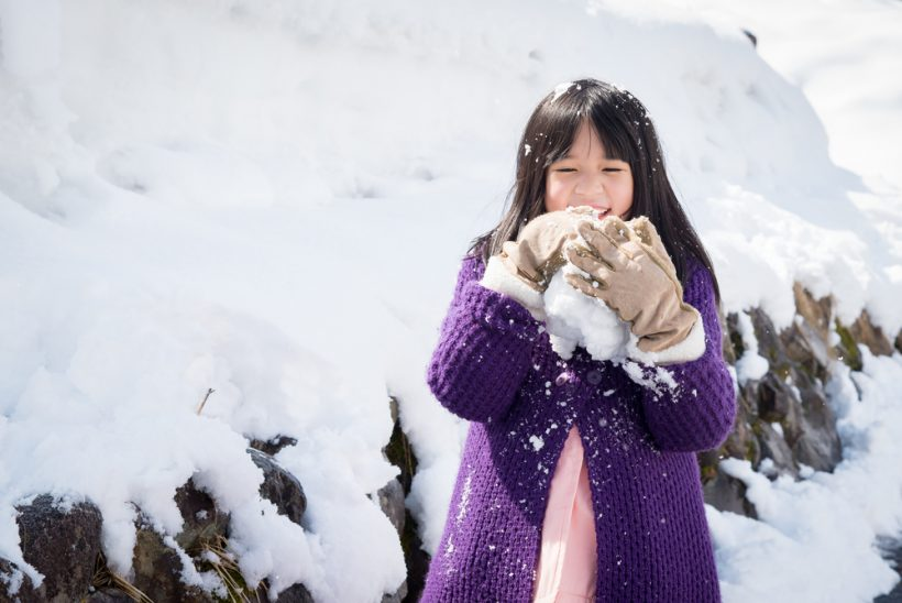 lil girl with snow M